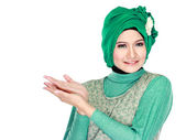 Young moslem woman presenting — Foto de Stock