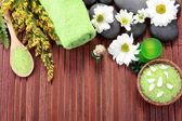 Zen basalt stenar och spa-produkter — Stockfoto