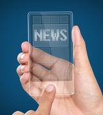 Moderne transparente mobile smartphone mit news auf dem bildschirm — Stockfoto