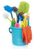 Productos de limpieza en balde — Foto de Stock