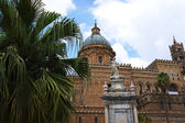 External view of the Cathedral of Palermo in Sicily — Stock Photo