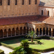 The cloister of the Monreale Cathedral in Sicily — Stock Photo #13443383