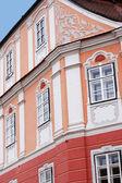 Palácio no centro histórico de sibiu na Roménia — Fotografia Stock
