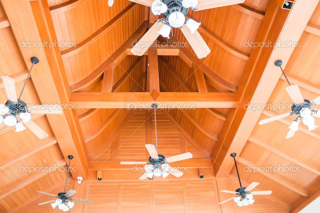 Preparados de ventiladores de techo de estilo cl sico de - Ventiladores de techo de madera ...