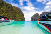 Beautiful sea at Maya Bay — Stock Photo