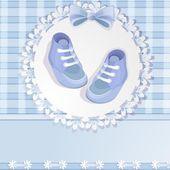 与可爱的小宝贝男孩鞋婴儿洗澡卡 — 图库矢量图片