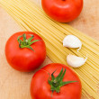 Spaghetti and tomatoes — Stock Photo