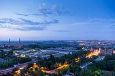 Edifícios industriais após o pôr do sol — Foto Stock