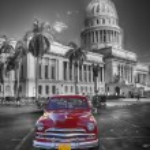 Red old car at Capitol, Havanna Cuba — Stock Photo #37293855