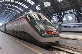 Träna i Milano — Stockfoto