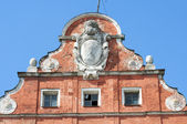 Kaliningrad. Decorative elements on the roof of an old German building — Stock fotografie