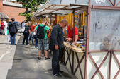 торговля сувенир из янтаря на улице калининградской области, россия — Стоковое фото