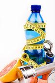 Fitness halters water en fruit — Stockfoto
