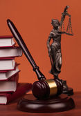 Judge gavel and law books — Stock Photo
