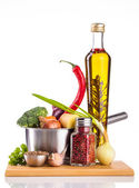 Panela inox com legumes isolado no branco — Fotografia Stock