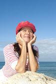 Aktywna emerytura kobiety oceanu — Zdjęcie stockowe