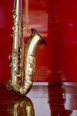 Instrumento de música metal saxofone — Fotografia Stock