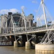 Hungerford Bridge and Golden Jubilee Bridges in London — Stock Photo