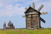Windmill and Kizhi Pogost in Karelia, Russia — Foto Stock