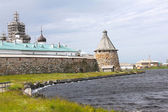 Solovetsky Monastery. Solovki fortress wall with tower — Stock Photo