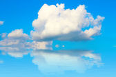 Blue sky with cloud closeup — 图库照片