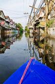 Crise tailandesa inundação em bangkok, tailândia — Fotografia Stock