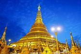 Shwedagon golden pagoda in Yangon, Myanmar (Burma) — Stock Photo