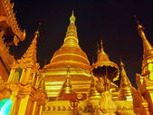 Shwedagon golden pagoda in Yangon, Myanmar (Burma) — Stock Photo
