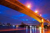 Krungthep Bridge before sunrise in Bangkok, Thailand. — Stock Photo