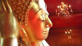 Face of Reclining Buddha statue — Stock Photo
