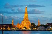 View of Wat Arun during sunset — Stock Photo