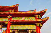 Colorful chinese temple roof — 图库照片