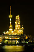 Oil refinery factory at night  — Stockfoto