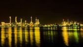 öl-raffinerie-fabrik bei nacht — Stockfoto