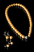 Pearl necklace and earrings  — Stockfoto