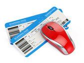 Billetes de avión y ratón de la computadora — Foto de Stock
