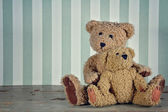 Two teddy bears hugging — Foto Stock