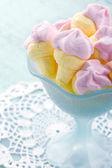 Rosa glass formade marshmallows — Stockfoto