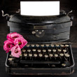 Old antique black vintage typewriter — ストック写真