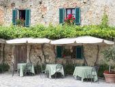Traditional italian restaurant — Stock Photo
