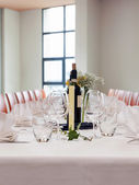 Table setting at wedding reception — Stock Photo
