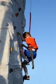 Boy Wall Climbing Outdoors — Stock Photo