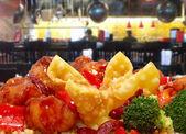 Rangoon and General Tso Chicken in Restaurant — Stock Photo