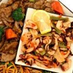 Lo Mein, Beef, Squid, Seaweed — Stock Photo #12979233