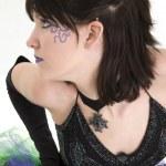 Profilo di giovane e bella donna — Foto Stock