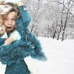 enfant à blizzard de tempête de neige — Photo