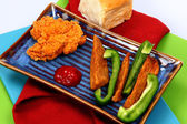 Fried Chicken Tender with Potato Wedges and Green Bell Pepper — Stock Photo