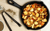 Ranch Potatoes in Cast Iron Skillet — Stock Photo