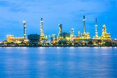 Oil refinery at twilight,Chao Phraya river, Thailand — Stock Photo