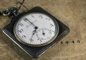 Worn pocket retro watch — Stock fotografie